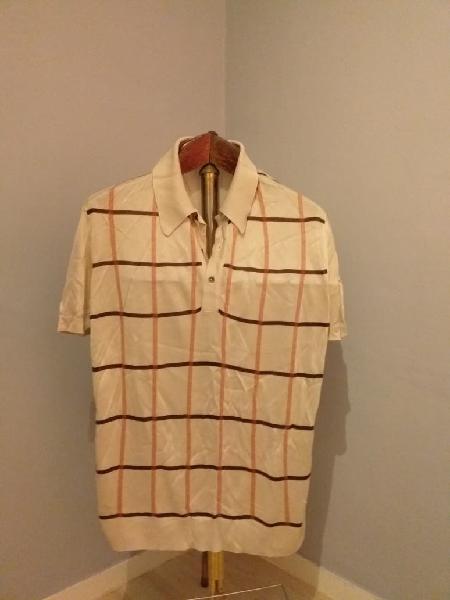 Moda retro y vintage. camiseta hombre años 70