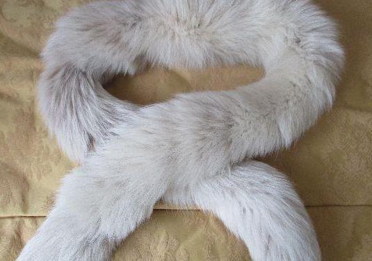 Precioso cuello, bufanda de zorro blanco natural