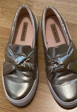 Zapatos zapatillas deportivas planas zara