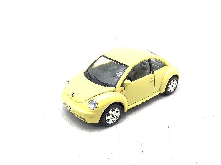 Coche metal bburago volkswagen new beetle (1998)