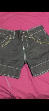 Pantalón corto desigual chica