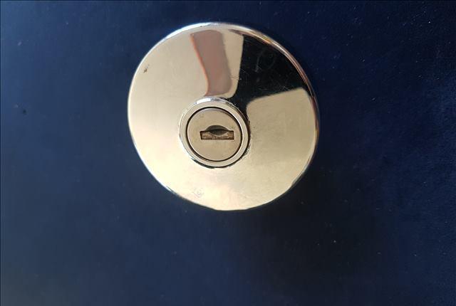 Tapon deposito cromado 6 cm..una llave marcas clausor