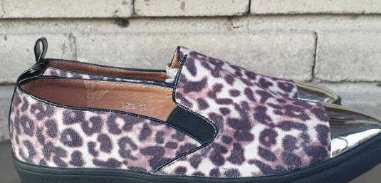 Zapatos nuevos de leopardo nuevos, numero 38,