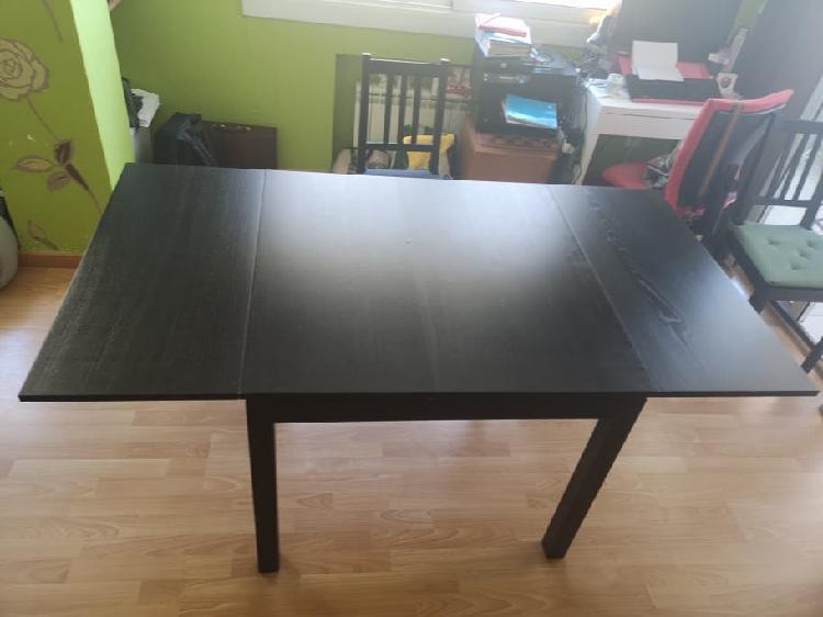 Conjunto mesa extensible y sillas