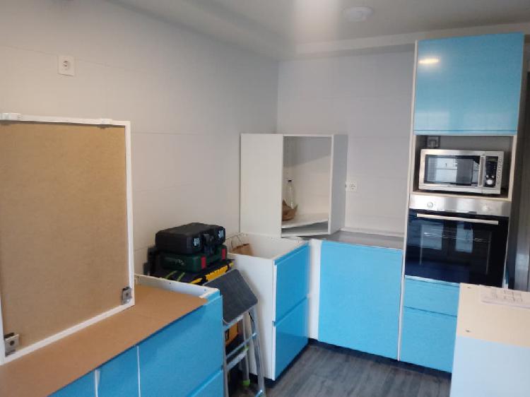 Montaje, montador, carpintero, cocina, muebles.