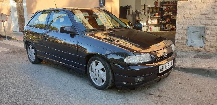 Opel astra gsi 16v 150cv