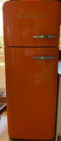 Smeg frigorífico doble puerta. naranja