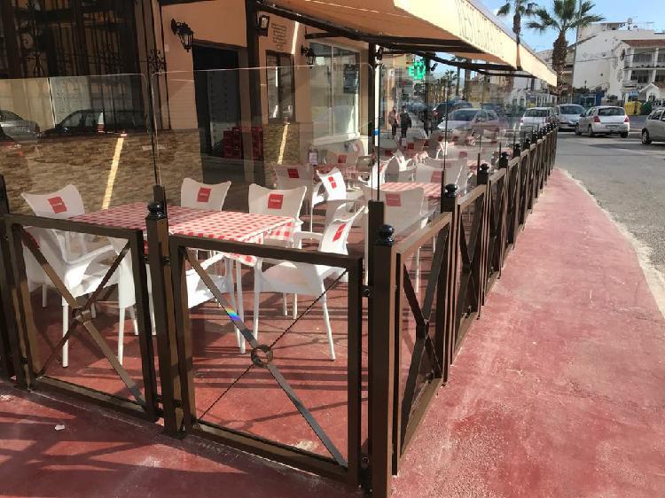Terraza acristalada para bar o restaurante.