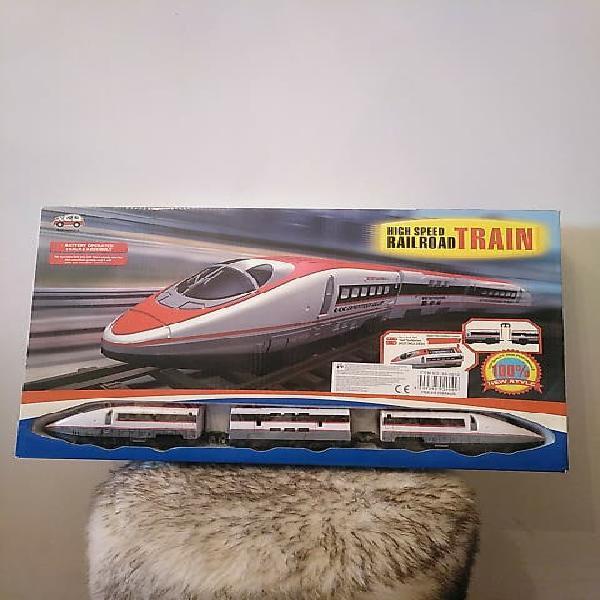 Tren juguete sin estrenar