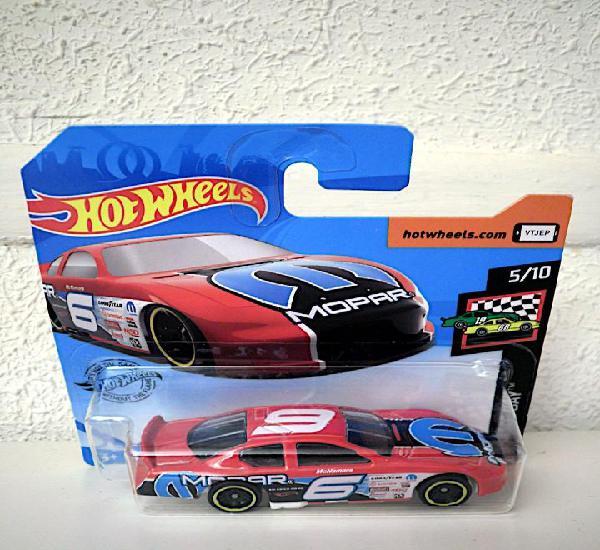 Hot wheels dodge charger stock car (en blíster)