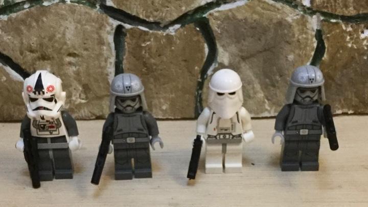 Star wars. 4 soldados. lego