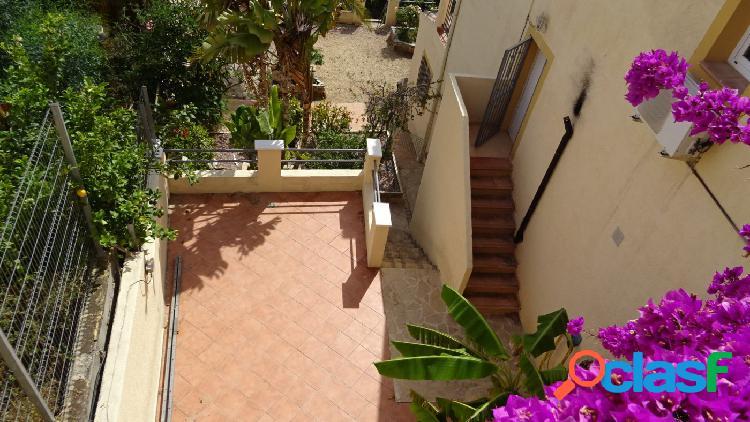 Chalet pareado con apartamento de invitados y vistas panorámicas. 3