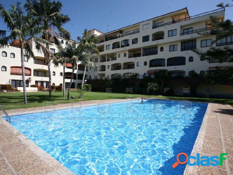 Coqueto apartamento con gran terraza al sur y piscina comunitaria
