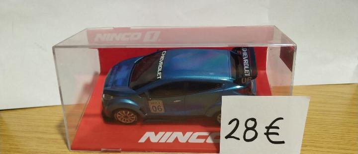 Chevrolet wtcc blue #06