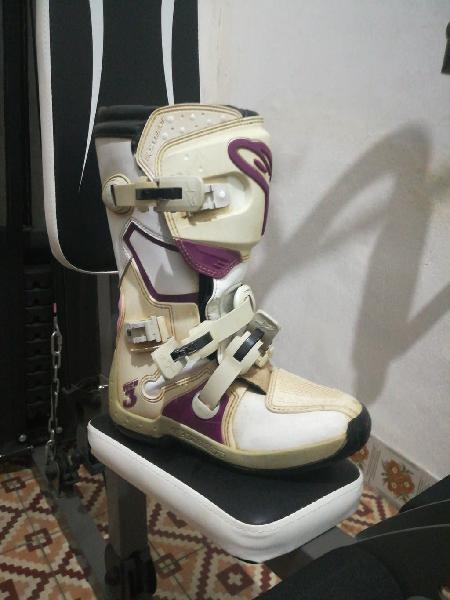 Equipacion quad mujer traje, botas y casco