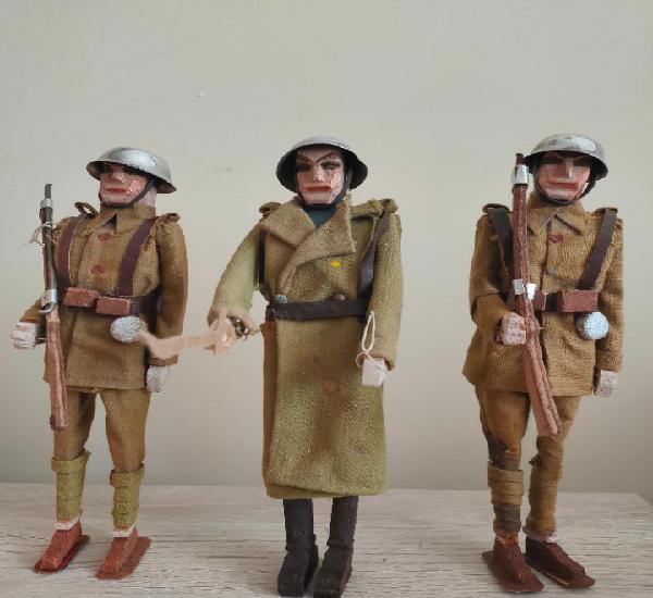 Oficial y dos soldados años 30, guerra civil. fabricados