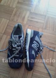 Zapatillas deportivas.