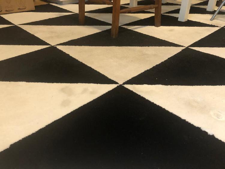 Alfombra blanco/negro