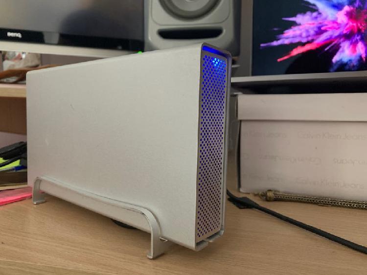 Disco duro seagate 2tb (con caja externa)