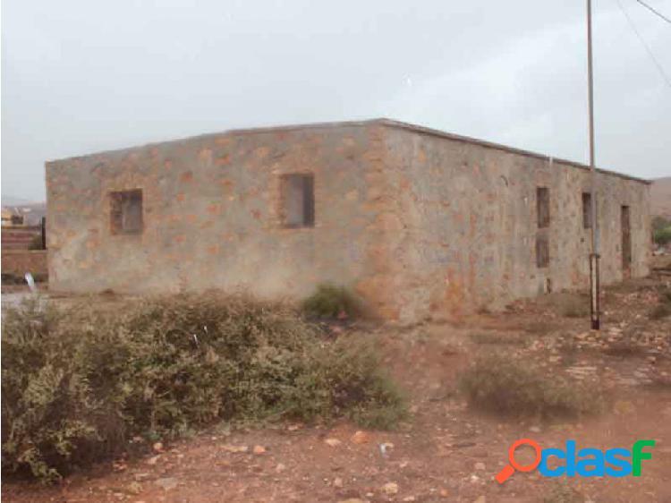 Casa para restaurar en Los Llanos de la Concepcion 1