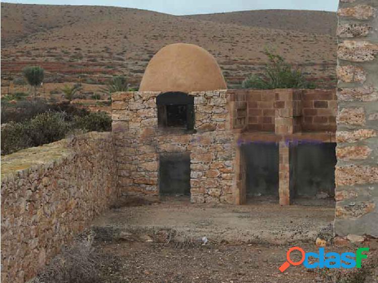 Casa para restaurar en Los Llanos de la Concepcion 2