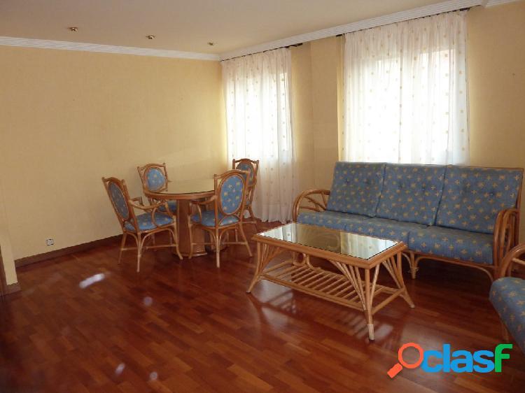 Urbis te ofrece un piso en alquiler en San Vicente 1