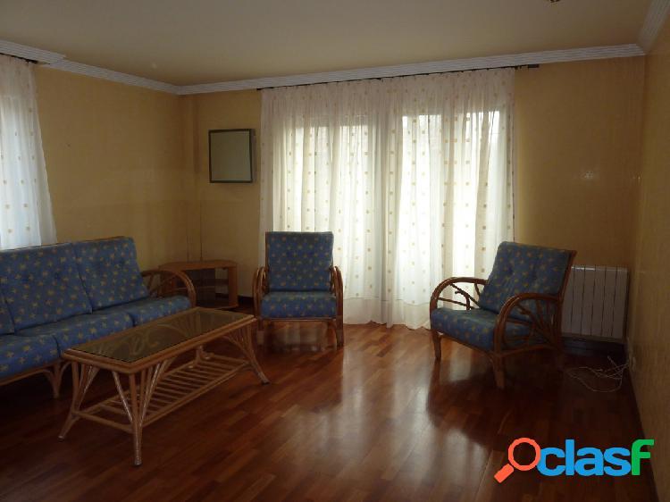 Urbis te ofrece un piso en alquiler en San Vicente 2
