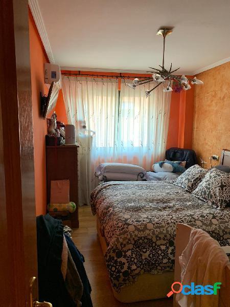 Urbis te ofrece un bonito piso en venta en zona Puente Ladrillo-Los Toreses, Salamanca. 2