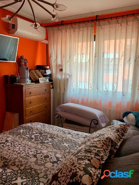 Urbis te ofrece un bonito piso en venta en zona Puente Ladrillo-Los Toreses, Salamanca. 3