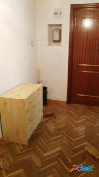 Urbis te ofrece un estupendo piso en alquiler en zona Labradores, Salamanca. 2