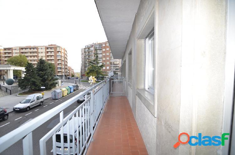 Urbis te ofrece un magnífico piso en venta en zona Delicias, Salamanca. 2