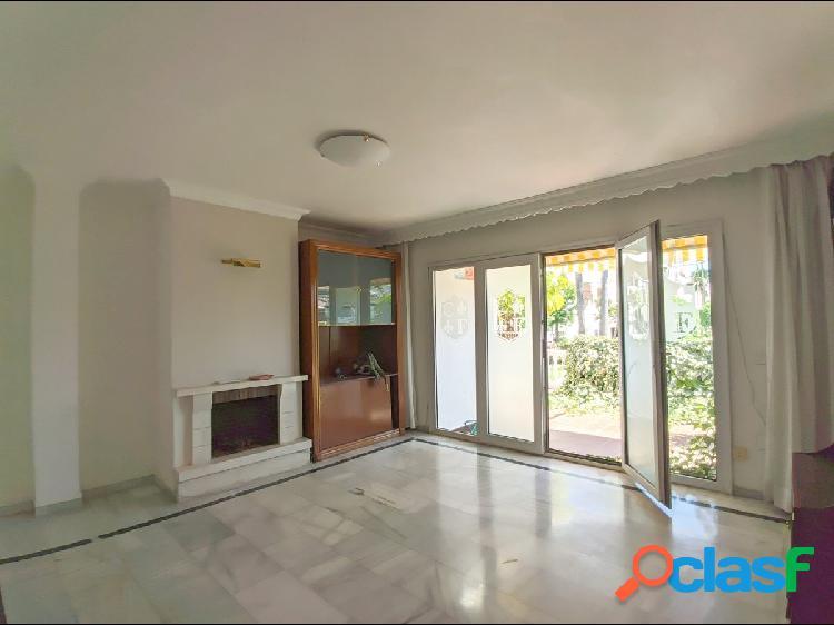 Gran casa adosada de 5 dormitorios, 3 plantas y ascensor a 2.5 km de Fuengirola 2