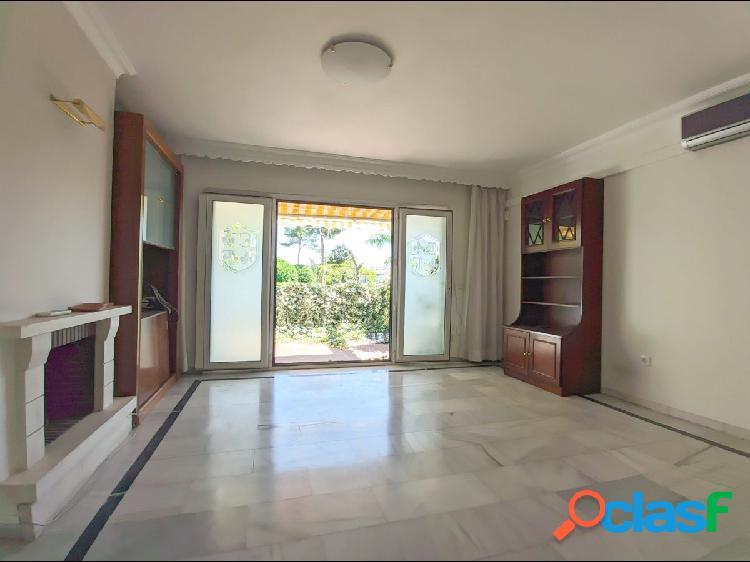 Gran casa adosada de 5 dormitorios, 3 plantas y ascensor a 2.5 km de Fuengirola 3