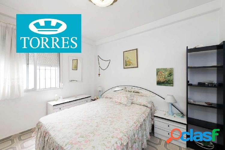 Apartamento a la venta en primera linea de playa situado en Avenida de España 1