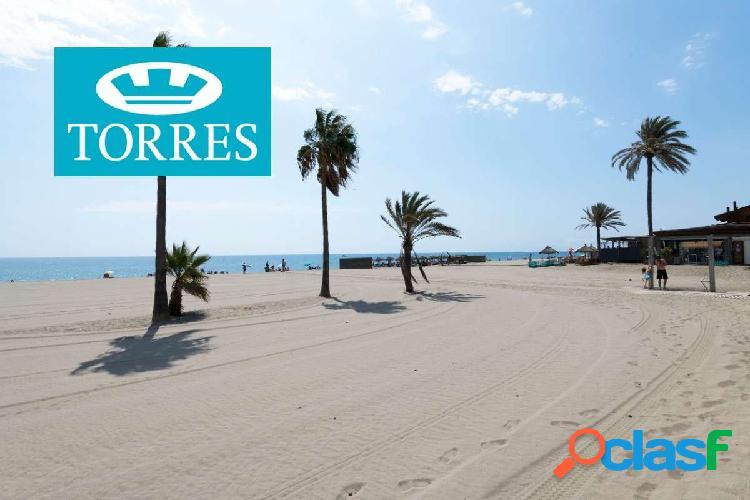 Apartamento a la venta en primera linea de playa situado en Avenida de España 3