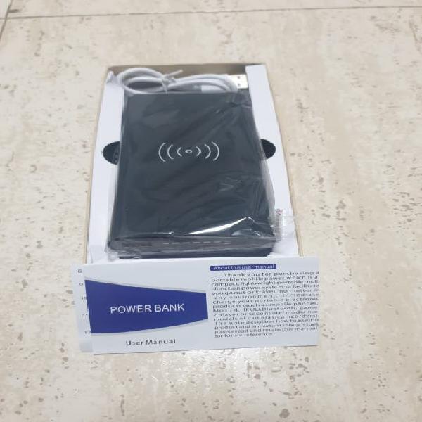 Bateria externa inalámbrica y puerto usb