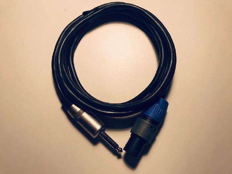 Cable de carga amplificador