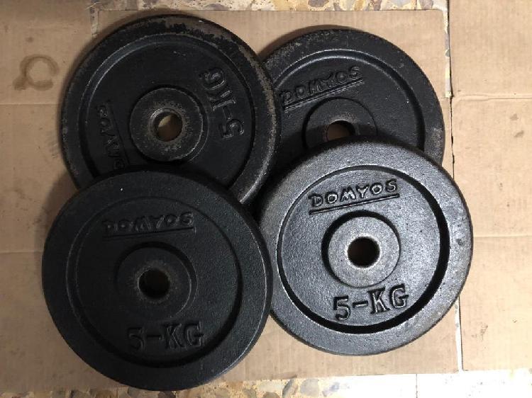 Cuatro discos de 5kg pesas hierro