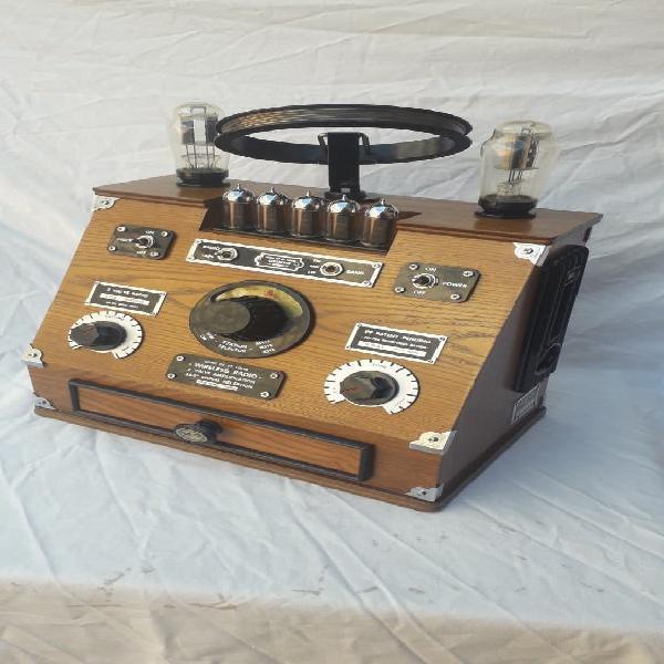 Radio de válvulas americana (réplica)