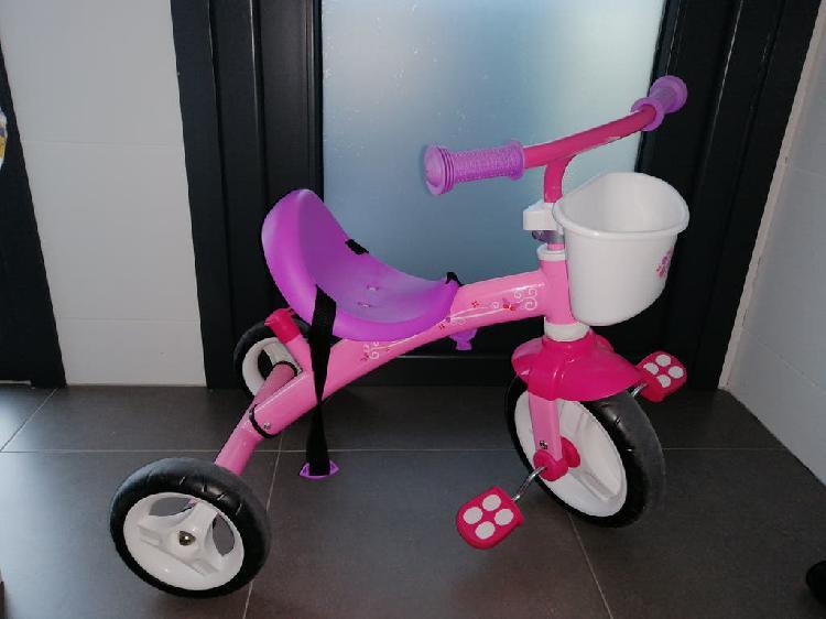 Triciclo color rosa