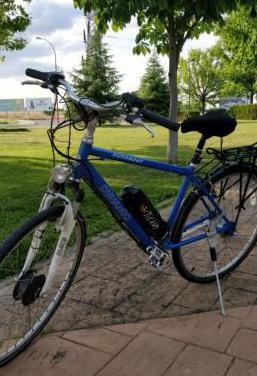 Bicicleta eléctrica urbana tucano