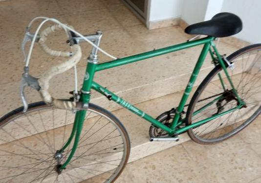 Bicicleta clásica bh de carretera
