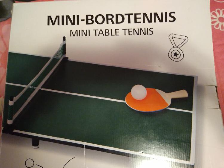 A estrenar. mini mesa ping pong con accesorios