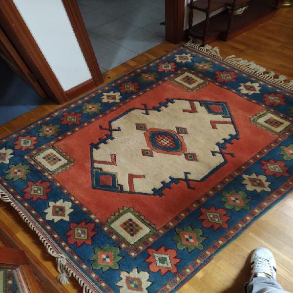 Alfombra persa de lana ( costo 450)