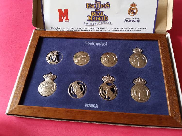 Escudos del real madrid en oro blanco