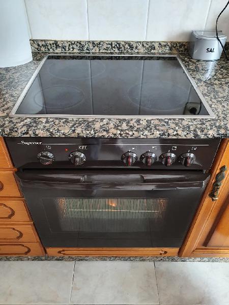 Vitrocerámica 4 fuegos y horno