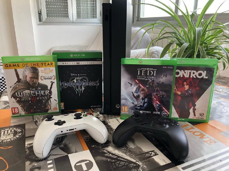 Xbox one x + extras