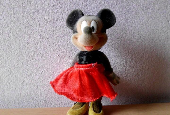 Antigua muñeca minnie mouse
