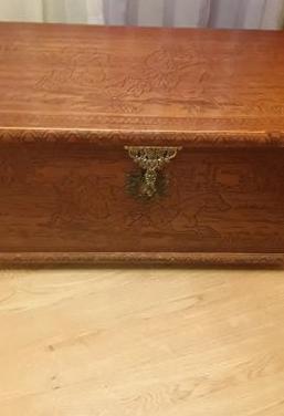Baúl de madera en buen estado