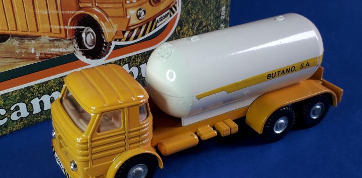 Camión pegaso 1065 europa butano ref. 208, esc. 1/50, joal